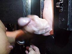 La rubia no lo hace, golpea dos veces y luego toma fotos de porno real casero mexicano su cara.